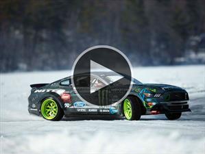 Mirá a este Mustang RTR 2015 drerrapando sobre hielo