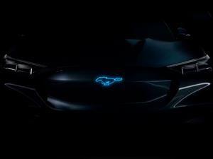 ¿Qué planean?: Ford patenta un V8 híbrido