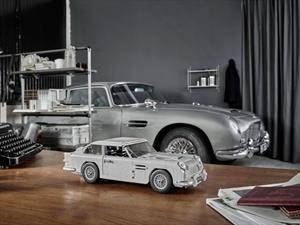 Aston Martin DB5 de James Bond al estilo Lego