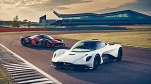 El Aston Martin Valhalla debuta en un circuito