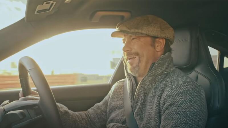 Video: Jay Kay le da su aprobación al Porsche Taycan Turbo S