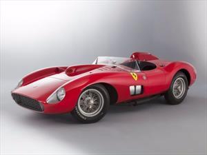 Este Ferrari 335 Sport Scaglietti 1957 fue subastado en $35.7 millones de dólares
