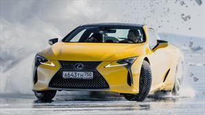 Lexus pone a prueba a sus autos en el hielo de Siberia