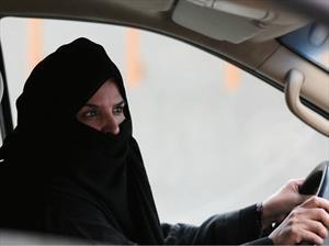 Mujeres ya pueden conducir en Arabia Saudita