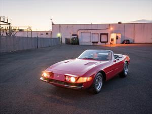 A subasta un raro Ferrari Daytona Spider 1973