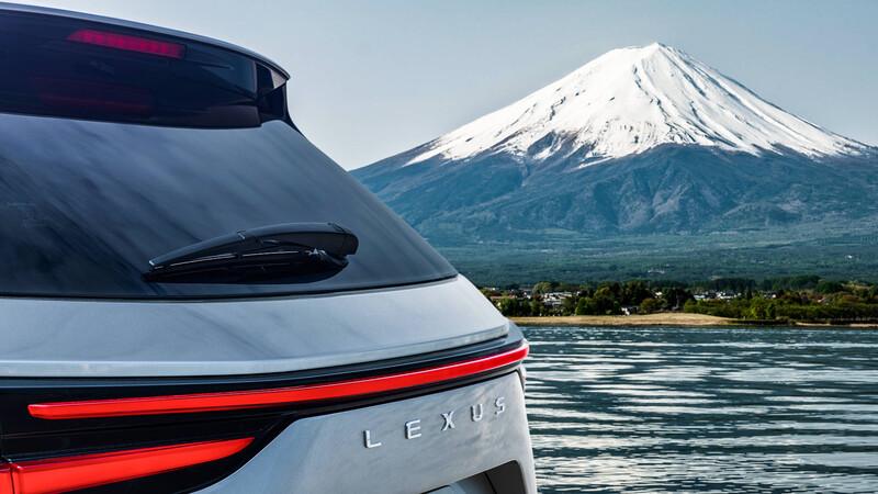 Lexus inicia el destape de la nueva generación del NX