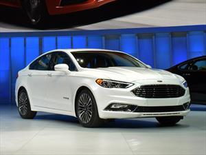 Ford Fusion 2017 se presenta