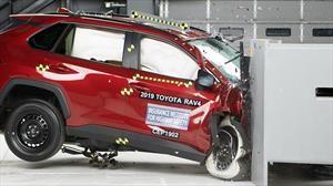 IIHS entrega máximo reconocimiento de seguridad a Toyota RAV4