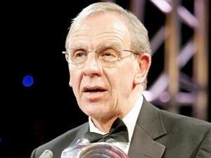 Falleció Robert Hubbard, el creador del HANS