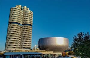 Descubre el placer de manejar en el Museo BMW