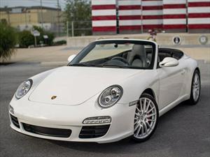 Porsche 911 modificado para llevar una sola butaca central