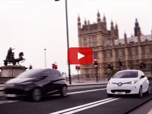 Dos Renault Zoe corren en un Scalextric gigante por Londres