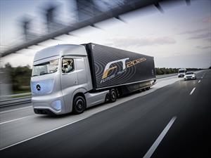 Mercedes-Benz Future Truck 2025 Concept, un trailer de conducción autónoma