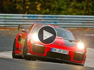 Video: Porsche 911 GT2 RS, recuperando el trono