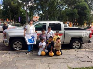 Chevrolet dona balones que no se desinflan en México