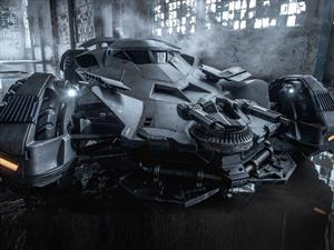 La primera foto oficial completa del nuevo Batimóvil