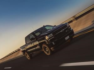 Manejamos la Chevrolet Cheyenne Midnight Edition 2017