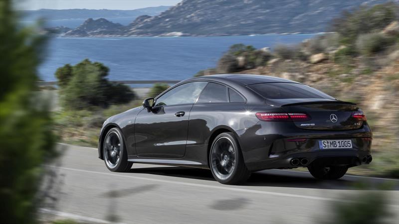 Se actualiza el Mercedes-Benz Clase E Coupé