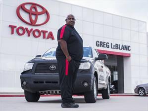 Manejó su Tundra un millón de millas y Toyota se la cambió por una nueva