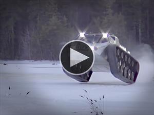 Video: Ripsaw EV-2 en tanque que hace drift en el hielo