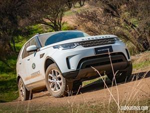 Land Rover Discovery añade versión con motor de 2L