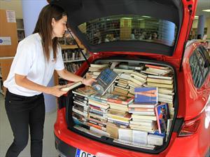 ¿Cuántos libros caben en el maletero de un hatchback?