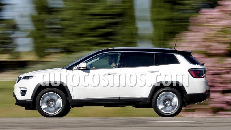Un Jeep Compass para siete pasajeros se encuentra en desarrollo