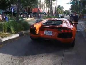 Video: un Lamborghini Aventador se incendia en Miami