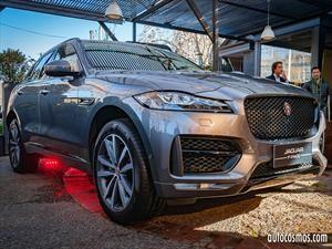 Jaguar debuta motores Ingenium de 300 Hp en el F-Pace y el F-Type