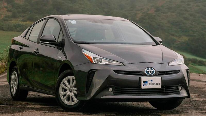 Toyota adelanta su objetivo de ventas de vehículos electrificados