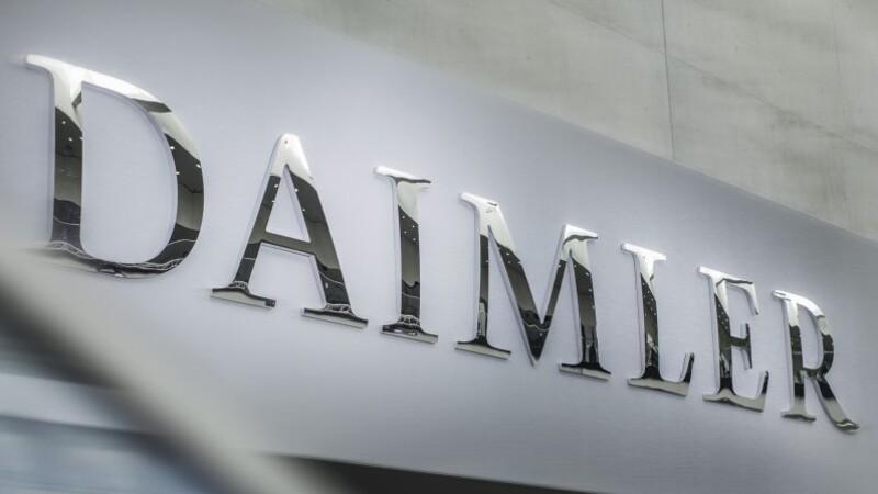 Daimler separa su división automotriz y su división de vehículos pesados