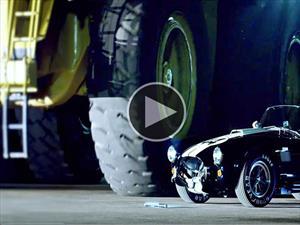 Video: Derrapando con un camión de minería