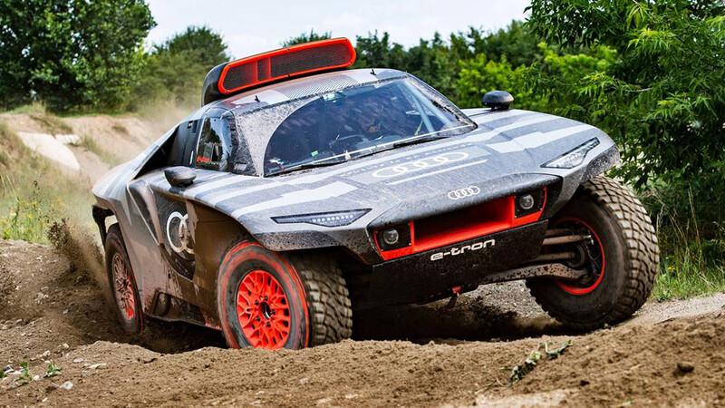 Audi RS Q e-tron realiza primeras pruebas para el Dakar