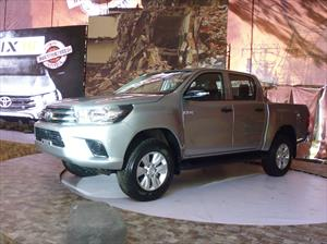 Toyota Hilux 2016 llega a México desde $251,900 pesos