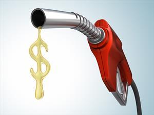 ¿Cómo ahorrar gasolina al conducir?