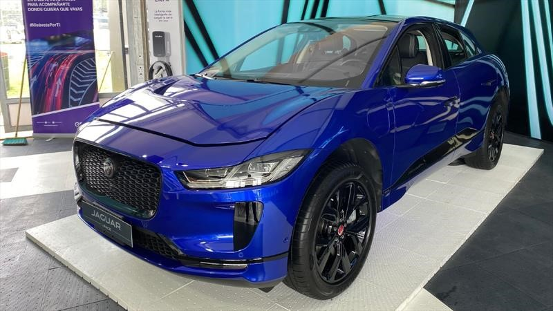 Jaguar Land Rover lleva sus autos y servicios a domicilio