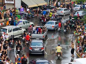 En Tailanadia los conductores ebrios serán castigados trabajando en la morgue