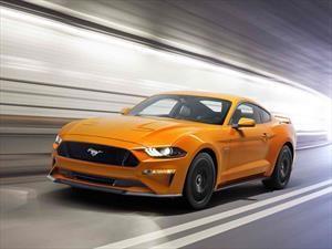 Conducir un auto deportivo es mucho más excitante que besar, bailar o ver futbol