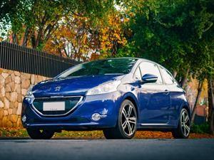 Peugeot 208 de tres puertas cesa producción