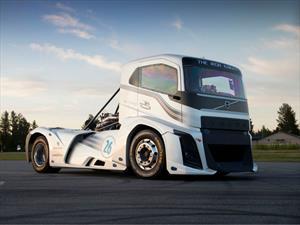 The Iron Knight de Volvo Trucks es el camión más rápido del mundo