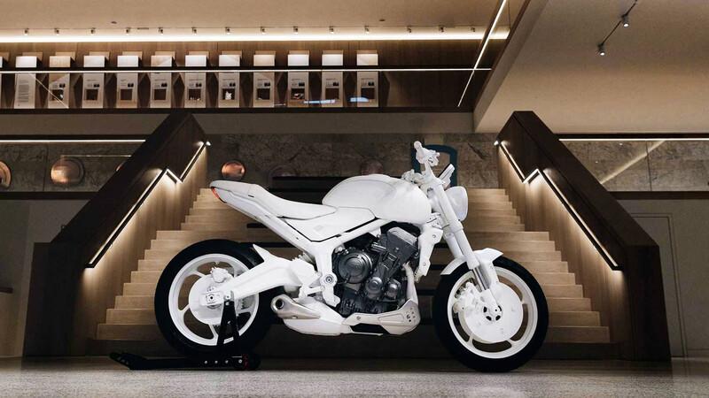 Triumph recupera el nombre Trident para su próximo modelo