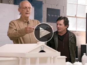 Toyota reúne al Doc Brown y Marty McFly de Volver al Futuro