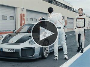 Videos: ¿El mejor trabajo? ¡Probar autos para Porsche!