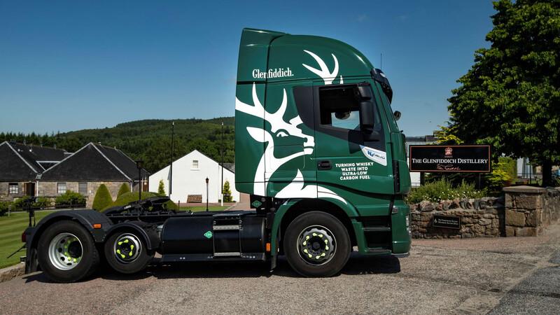 Glenfiddich aprovechará los desechos de la producción del Whisky para para sus camiones