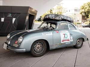 Un japonés a bordo de un Porsche 356 1953 viaja de Japón a Alemania por carretera