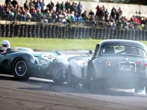 Un Aston Martin DBR1 valuado en $30 millones de dólares sufre accidente