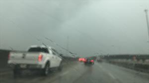 Prepárese para reducir los riesgos al conducir bajo la lluvia