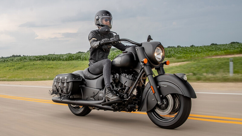 Indian adelanta su catálogo 2021 con las nuevas Vintage Dark Horse y Roadmaster Limited