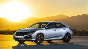 Honda le da un lavado de cada al Civic hatchback