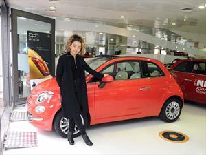 Ella Eyre estrena un FIAT 500 rojo coral